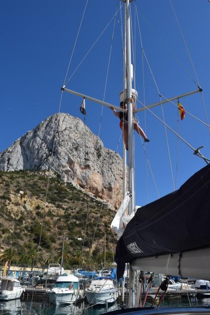 Jac stuck up the mast